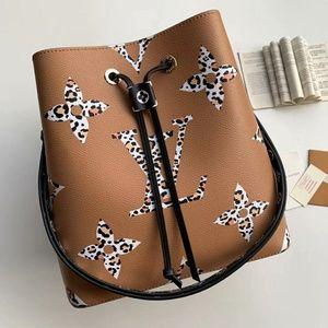 Louis Vuitton New Style Neonoe Check Description